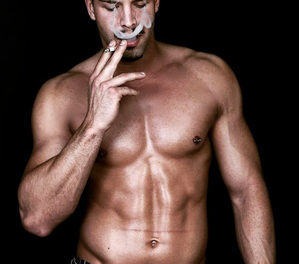 Курение и бодибилдинг: как это ограничивает ваш успех!